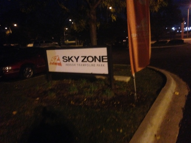 sky zone elmhurst indoor trampoline park