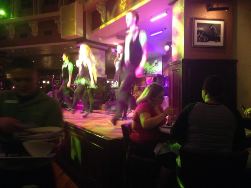 downtown disney irish restaurant dancing raglan road
