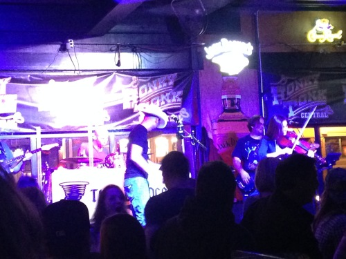 honky tonk central nashville live country music