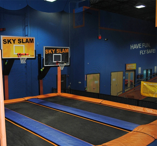 sky zone  elmhurst indoor trampoline park basketball sky slam