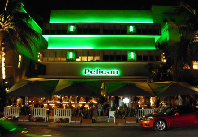 pelican cafe brunch miami beach south beach bar restaurant hotel ocean drive